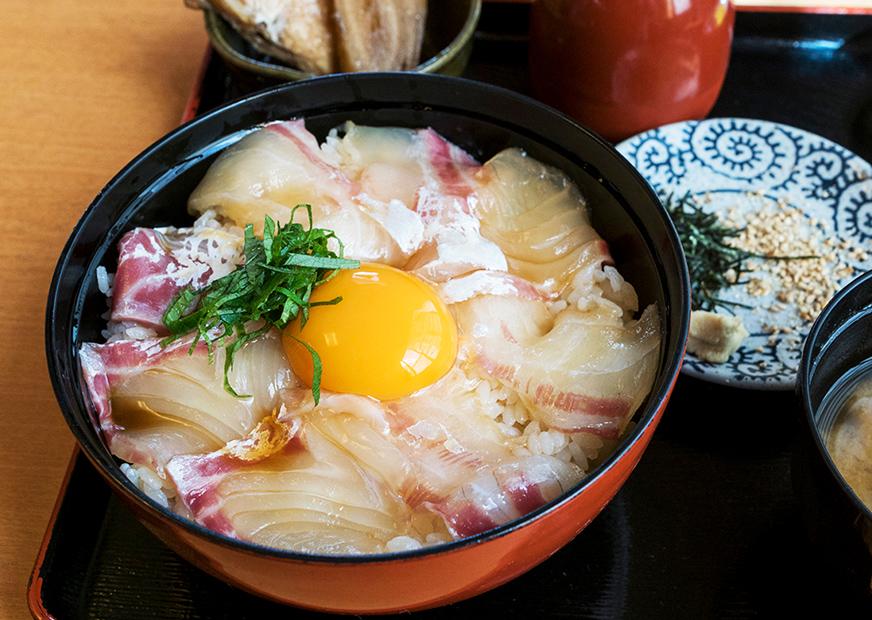 写真:地元産の食材から生まれる美味しいグルメ
